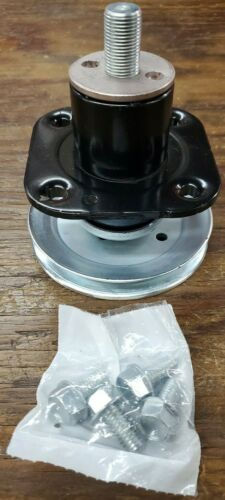 """GENUINE OEM! GRAVELY 51520900 SPINDLE ASSEMBLY WITH SCREWS FOR 42/"""" DECK"""