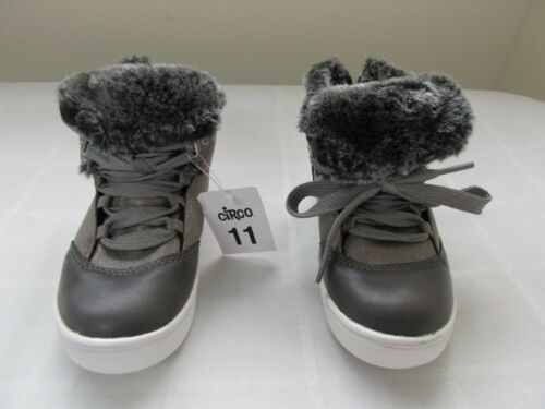 New Girl/'s Toddler/'s Circo Jada Fuzzy Sneaker Athletic Shoes Silver pc 139HI