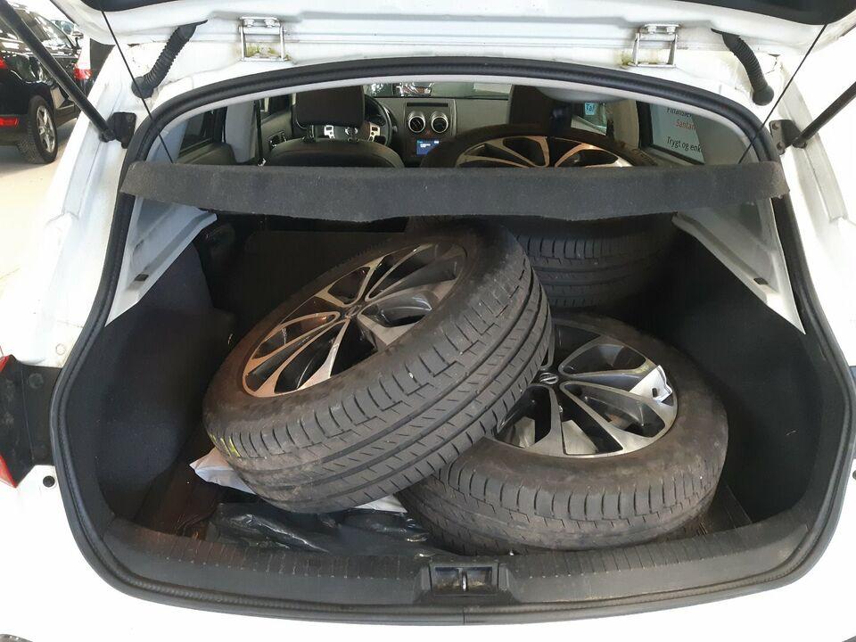 Nissan Qashqai 1,6 Tekna CVT Benzin aut. Automatgear
