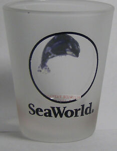 Sea-World-Critter-Windowed-Shot-Glass-1745