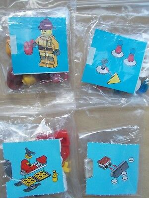 LEGO CITY WINTER SCENE FIREMAN/'S SNOW DAY SNOWMOBILE SNOWMEN SNOW SHOVEL BARRO