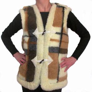 Waistcoat-made-of-sheep-039-s-wool-Fasteners-loops