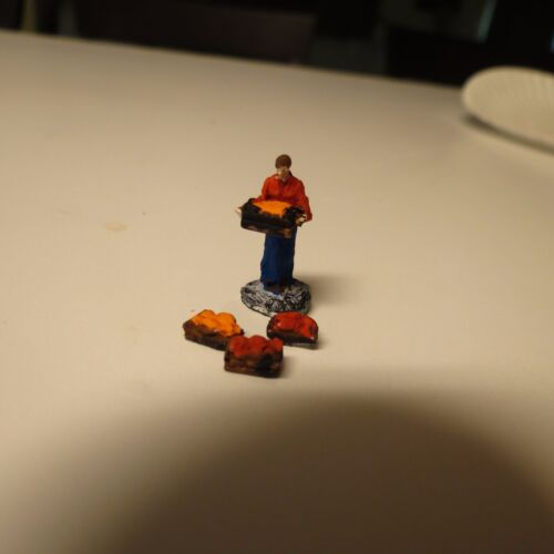 resin Ho Scale Painted man carrying crate and three crates