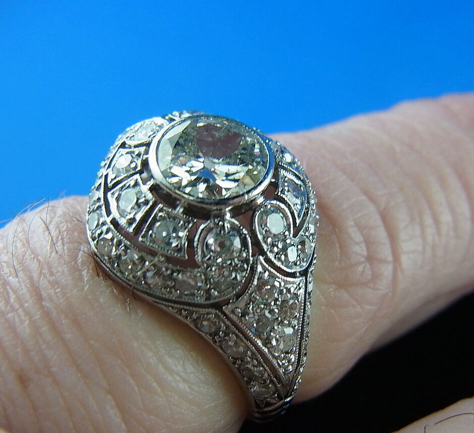 White gold 18 K Diamond Ring 2,25ct Frankreich um 1860 80 Ring Width 59