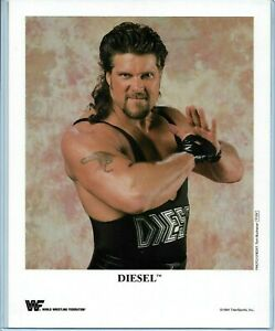 WWE-DIESEL-P-234-OFFICIAL-LICENSED-AUTHENTIC-ORIGINAL-8X10-PROMO-PHOTO-VERY-RARE