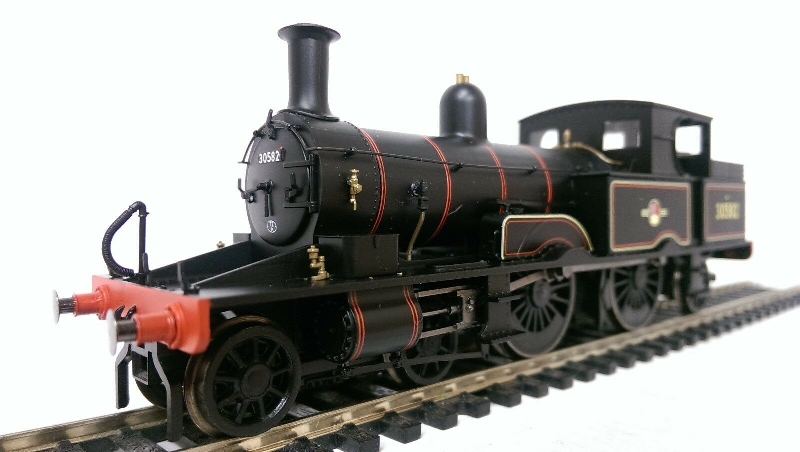 Hornby R3334 BR (Late) 4-4-2T  ADAMS RADIAL  30582 DCC READY