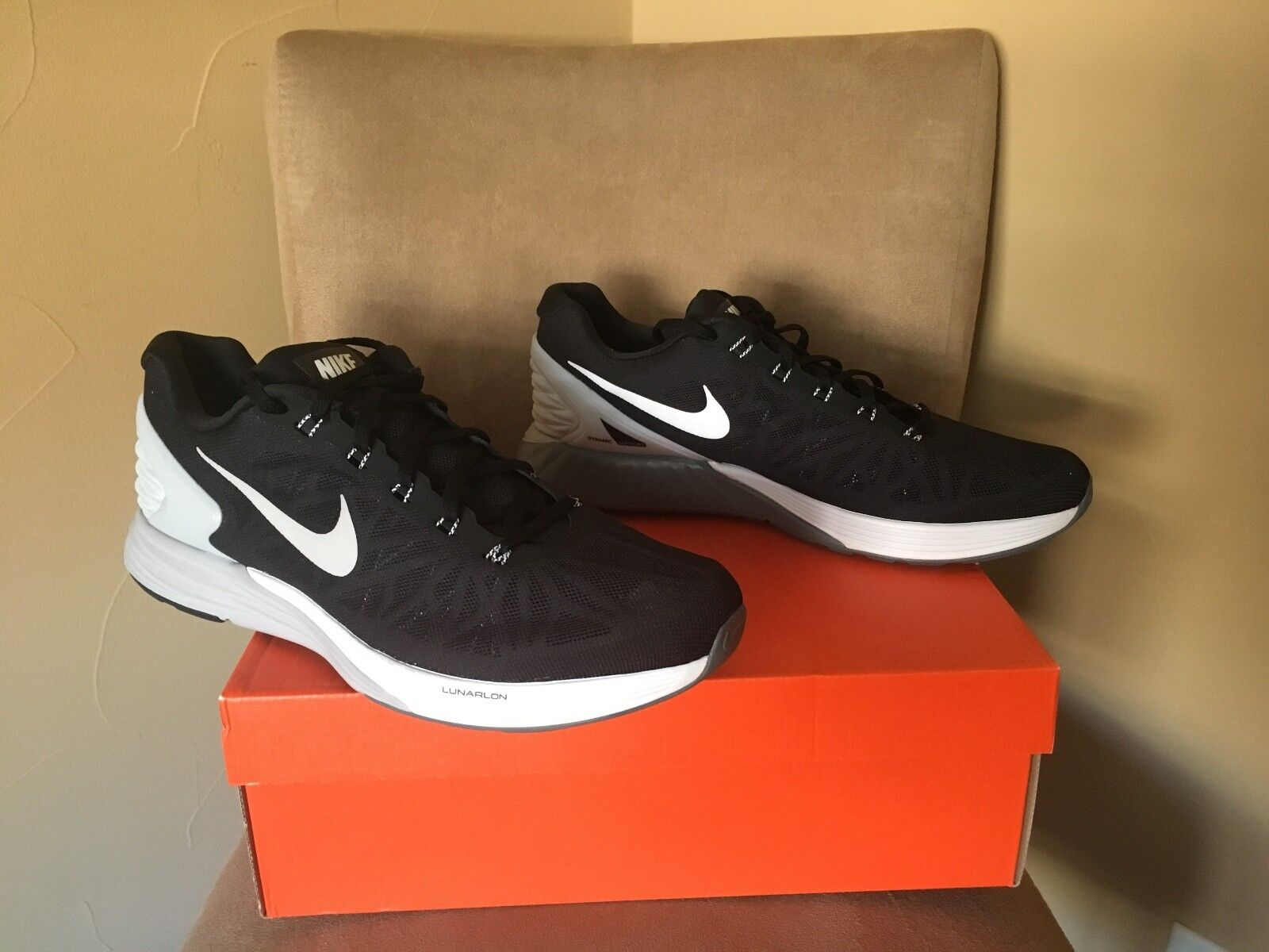 Nike Air Zoom Pegasus 32 Men's Size 12.5 NWT Black White shoes