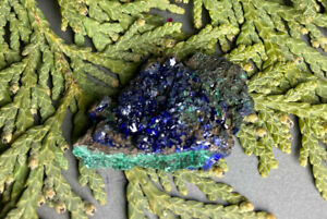 8.9g SMALL DEEP BLUE AZURITE/MALACHITE CRYSTAL MINERAL SPECIMEN Reiki  CHINA