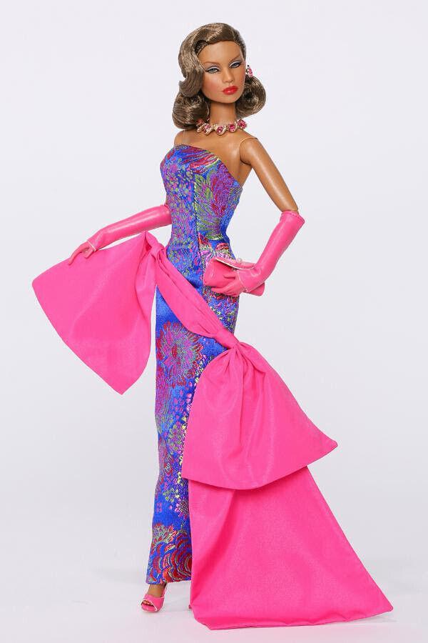 Opera on the 5th Lady Aurelia grau Dressed Doll - East 59th  73019