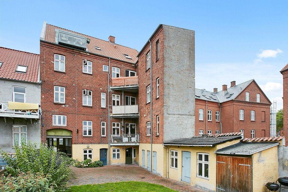 8700 vær. 4 lejlighed, m2 112, Amaliegade