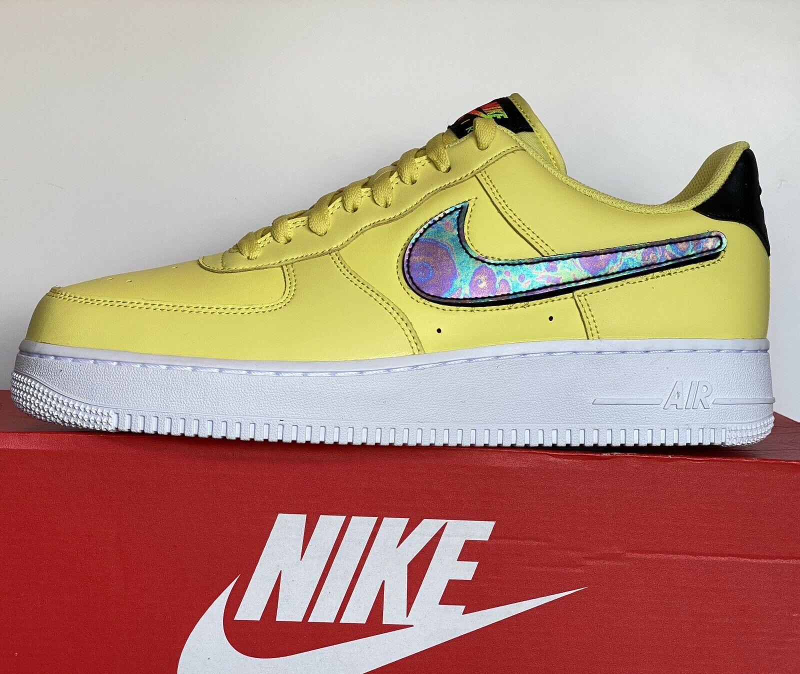 Nike Air Force 1 Af1 '07 Lv8 3 Yellow