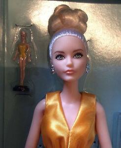 2017-Paris-Doll-Festival-Convention-Couture-Barbie-NRFB-platinum-label-The-Look