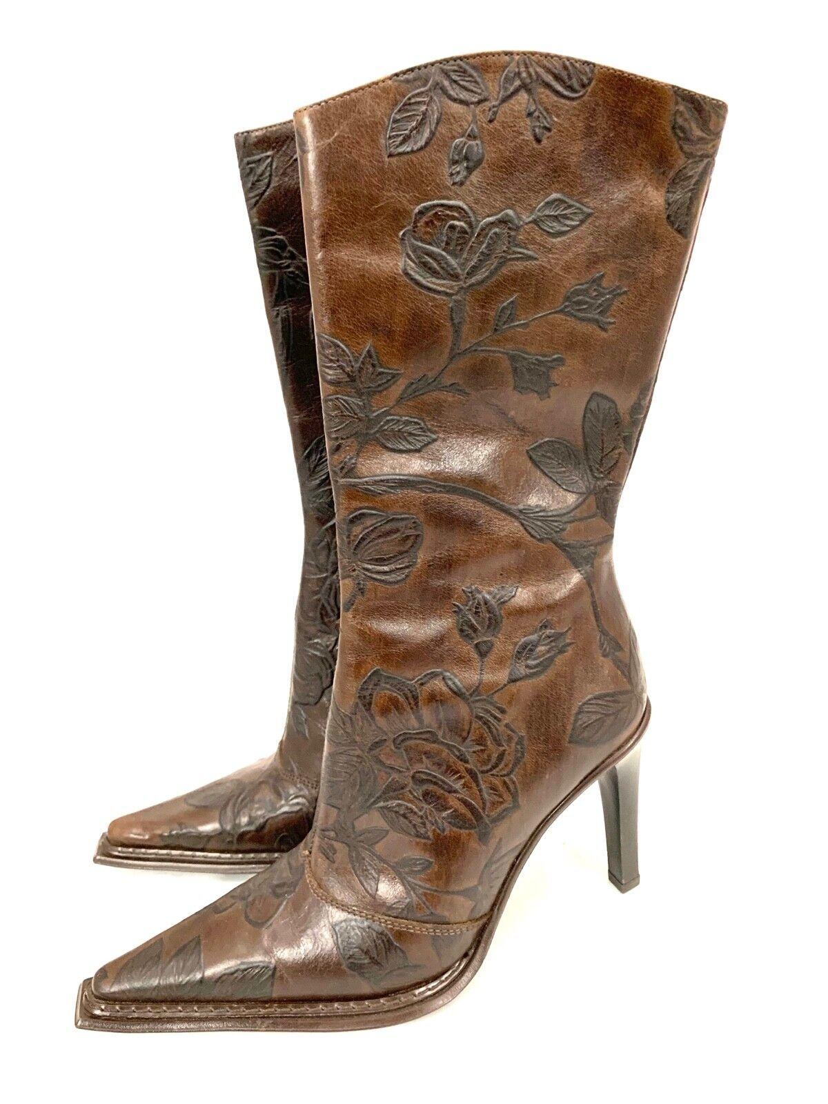 risparmia fino al 30-50% di sconto Donna  Andrew Stevens Marrone Floral Embossed Embossed Embossed stivali Heels Sz 36 EU  5.5 US NWOB  buon prezzo
