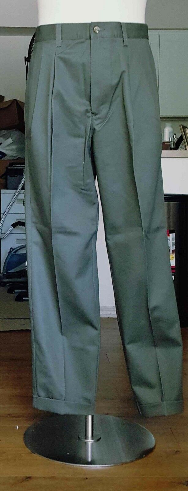 Eddie Bauer Wrinkle Resistant Classic Fit Dress Pleated Cuff Pants Size 34 x 29