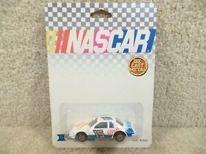 New-1988-ERTL-1-64-Scale-Diecast-NASCAR-Brett-Bodine-Crisco-Ford-Thunderbird-a