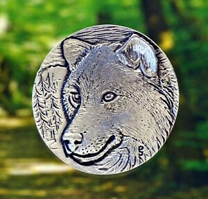 Wolf-Brooch-Grey-Wolf-Pin-Wildlife-Jewelry-in-Fine-Pewter-Made-in-USA