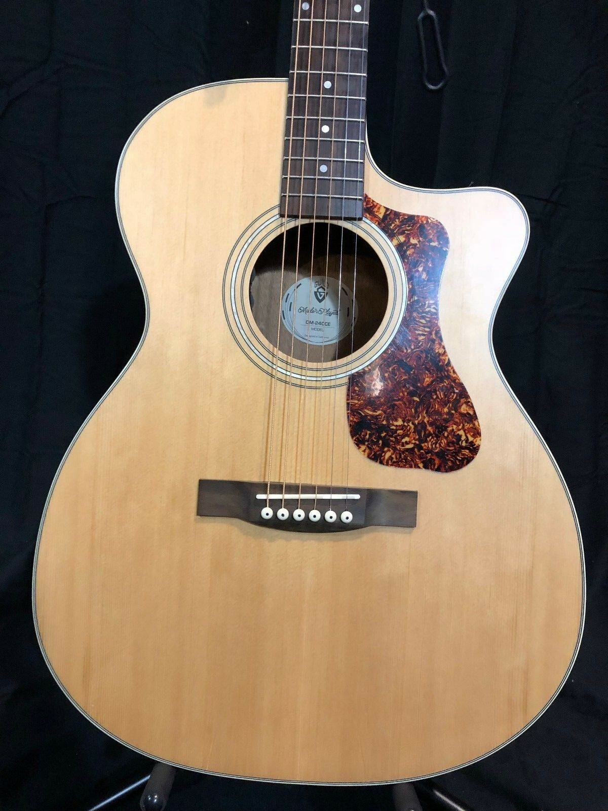 Guild OM-240CE, Acoustic-Electric, W  FREE Hardshell Case