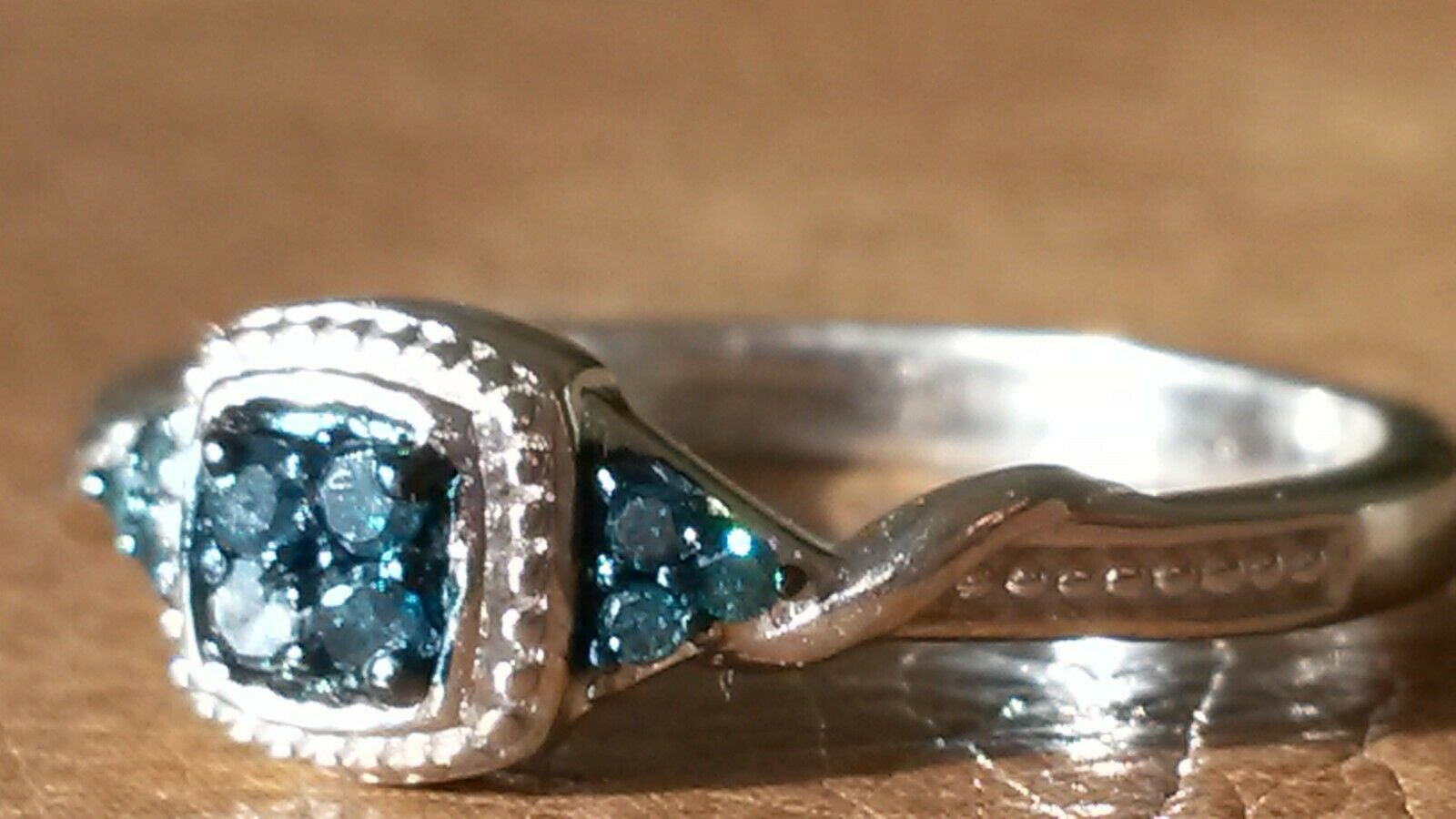 Natural bluee diamond ring UK size M.