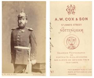 A-W-Cox-et-Son-Un-militaire-coiffe-d-039-un-casque-pose-CDV-vintage-albumen