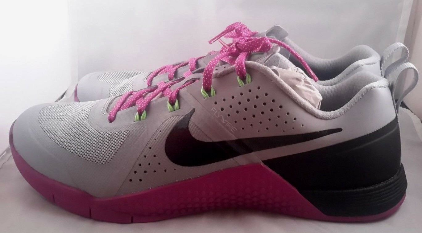New WMNS Nike Metcon 1 Wolf Grey Black Vivid Purple Crossfit 813101-005 S 12 The most popular shoes for men and women