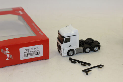 Herpa 305174 MB ACTROS STREAMSPACE 6x2 Trattore Bianco 1:87 h0 NUOVO IN SCATOLA ORIGINALE