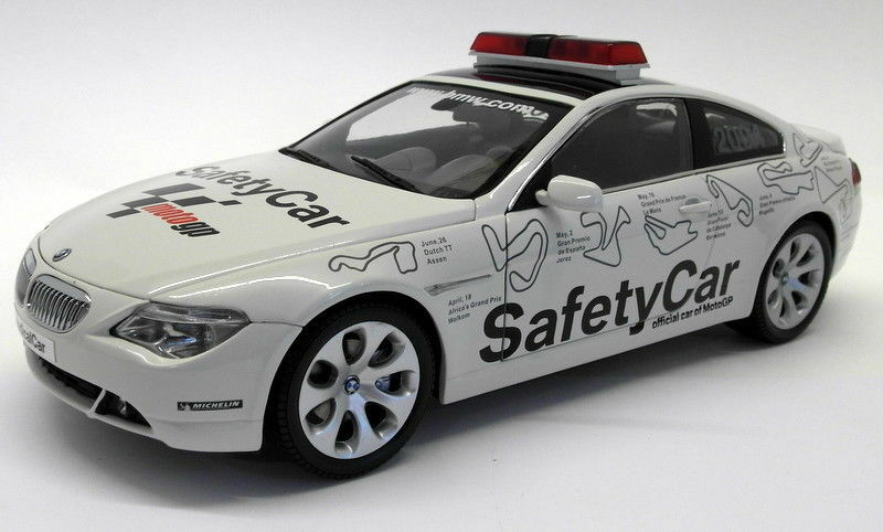 Kyosho 1 18 Scale Diecast - 08705GP BMW 645Ci Moto GP Safety Car