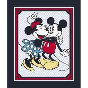 Disney-Mickey-amp-Minnie-Mouse-Vintage-Hugging-Panel-100-Cotton-Fabric