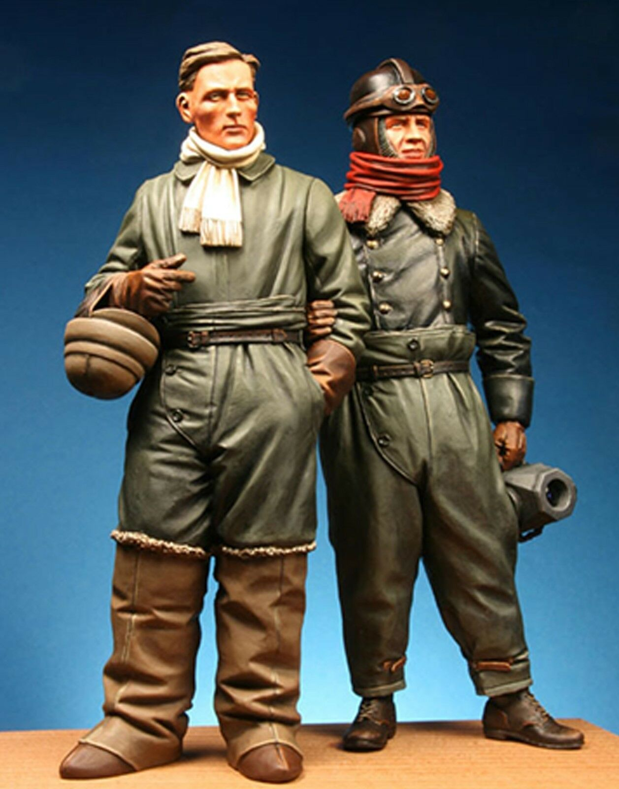 Model Cellar WW1 German Pilot & Observer Unpainted 120mm kit MIKE GOOD