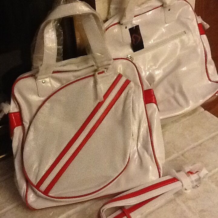 Tennis Bag With Retro Styling.  Classic White Synthetic Leather Red Piping.