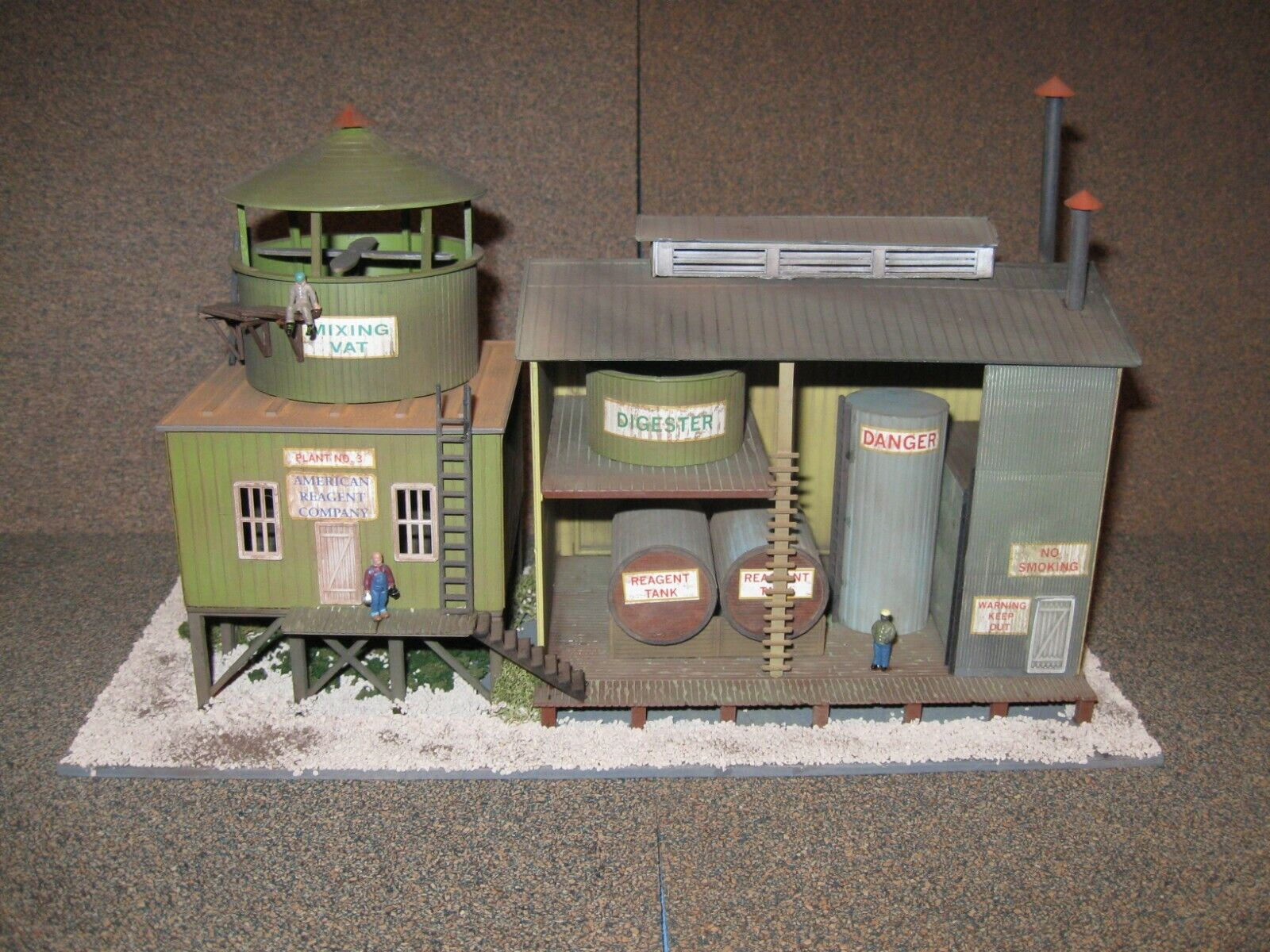 International Hobby HO Chemical Processing Plant. Built, Weatherot & Detailed