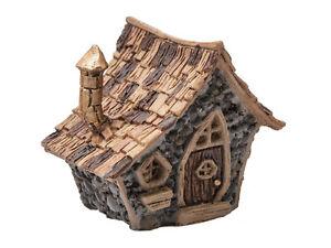 Mini-Crooked-Cottage