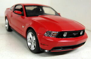 Greenlight-1-18-Scale-12813-2010-Ford-Mustang-GT-Bright-red-Diecast-model-car