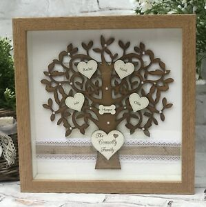 FO1-Wooden-Family-Tree-Frame-with-Engraved-Hearts-Christmas-Gift-for-Mum