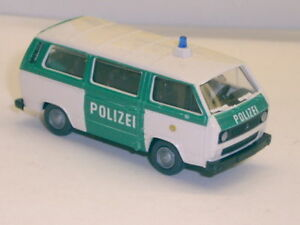 Roco-1444-VW-t3-autobus-policia