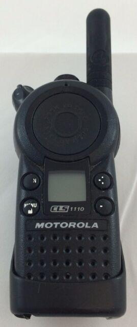 Motorola CLS1110 5-Mile 1-Channel UHF 2-Way Radio Fair Condition