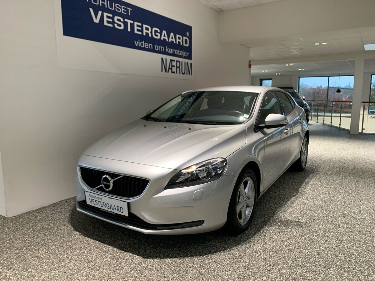 Volvo V40 1,5 T3 152 Kinetic aut. 5d
