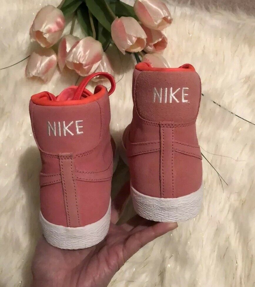 Nike High Cut Sneakers Bright PINK Size Size Size 6.5 NWOB 71704e