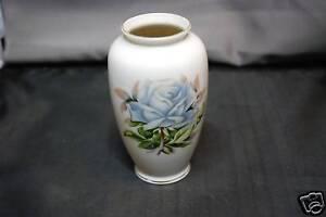 Vase-Rose-Design-Made-In-Japan
