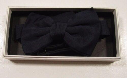 Yves Saint Lauren Men/'s Satin Bow Tie