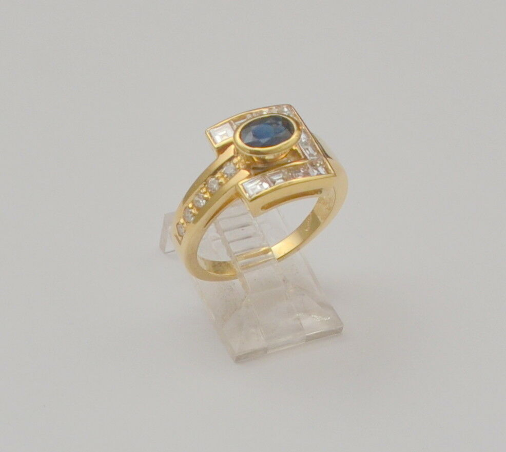 Sapphire and Diamond 18k Yellow gold Cluster Ring Size 6.75