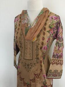 geborduurde gazonpak Pakistaanse Pakistaanse jurk jurk geborduurde geborduurde designer designer gazonpak designer jurk Pakistaanse designer Pakistaanse gazonpak UwxxAa4S