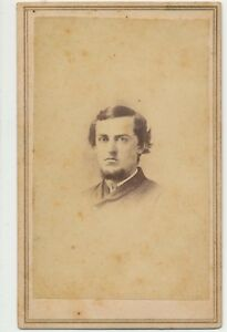 1860s-Antique-Cdv-Vignette-Photo-Civil-War-Decade-Gentleman-Carte-de-Visite-39