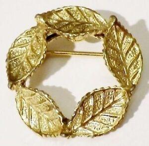broche-bijou-vintage-couronne-de-feuille-relief-couleur-or-4747