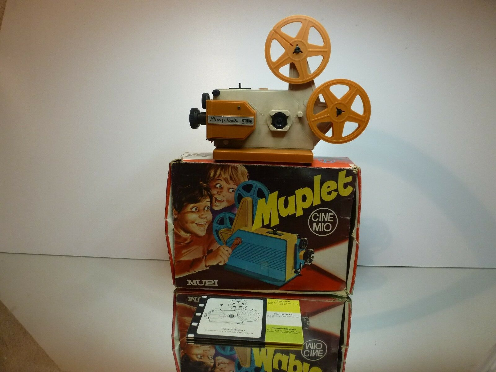 VINTAGE MUPI ITALIA 2021 MUPLET CINEMIO FILM PROJECTOR - GOOD IN BOX