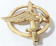 insigne de béret COMMANDO ARMÉE DE L'AIR / Commandos de l'air  FRANCE
