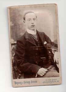 Vintage-CDV-Unknown-Man-Cameo-Photo-by-Brooke-amp-Oxford-Studio-Hammersmith-Wales