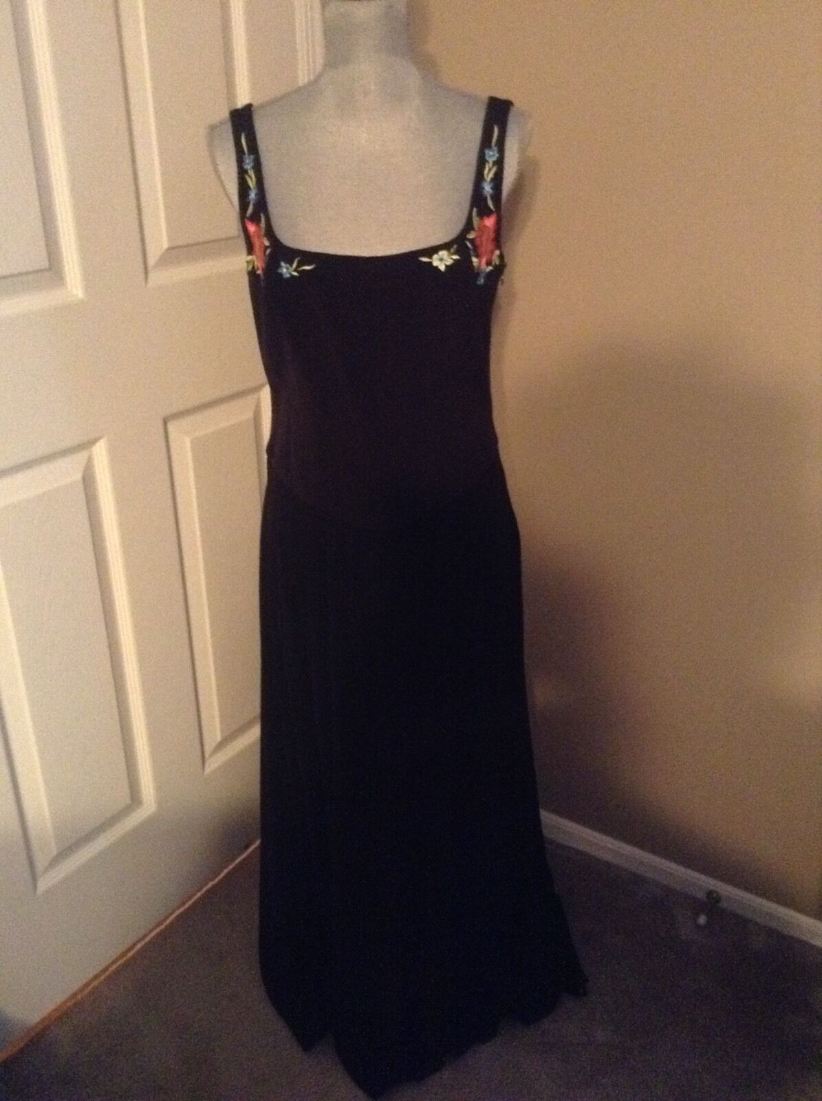Escada Long schwarz Dress SZ 40 100% Silk Lining