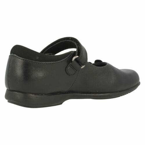 Girls Clarks Trixi Run Black Leather Or Patent School Shoes With Lights