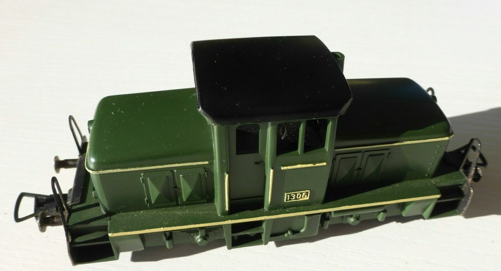 Fleischmann, H0, 4201, Diesellok 1306, grünes Gehäuse, schwarzes Dach, neuwertig  | Neuer Eintrag