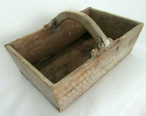 ANTIQUE-PRIMITIVE-WOOD-TOOL-BOX-CARRIER-TOTE-GARDEN-COUNTRY-BOX-SHABBY-PAINT
